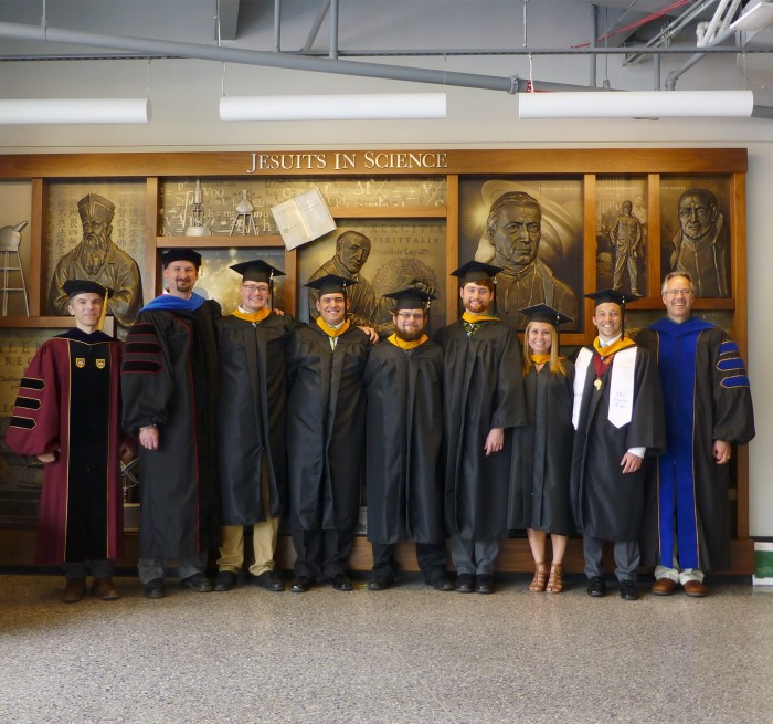 Le Moyne College 2016 Physics Graduates and Faculty
